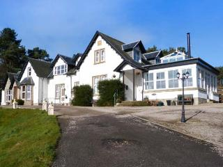 THE MEWS, attractive apartment, garden, WiFi, en-suite, close coast, Hopeman, Elgin Ref 934396 - Hopeman vacation rentals