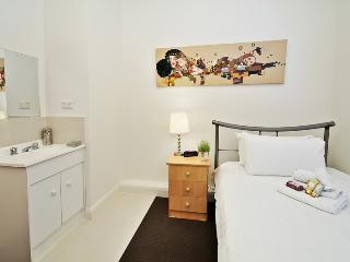 Single Room Guest House Carlton ER5 - Melbourne vacation rentals
