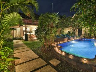 LUXURY Villa Lotus Seminyak Promo 800 to beach - Seminyak vacation rentals