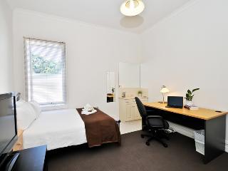 Single Room Guest House Carlton ER8 - Melbourne vacation rentals