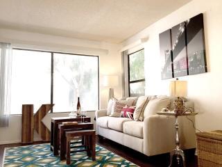 Stylish 2 Master Suites Bedroom Condo - Long Beach vacation rentals