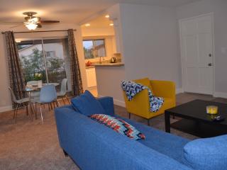 Chic Quite Large 2bd/2br 1000 SqFt San Diego Area - La Mesa vacation rentals
