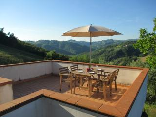 The Italian Hideaway self catering cottage - Arsita vacation rentals