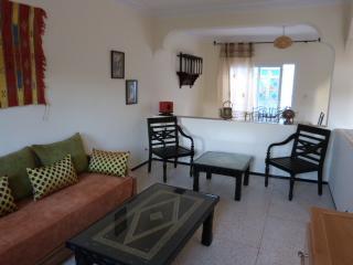 JOLIE VILLA ENSOLEILLEE 3 CHAMBRES - Agadir vacation rentals