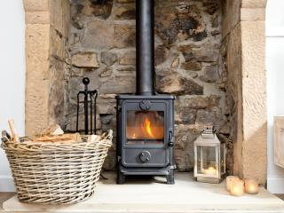 Luxury 2 Bed Country Cottage in the Peak District - Ashford vacation rentals
