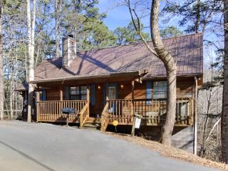 """""""Away From It All"""" --Hot Tub--Jacuzzi--Game Room - Pigeon Forge vacation rentals"""