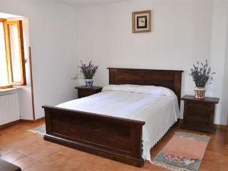 Cozy 2 bedroom Bed and Breakfast in Scheggino - Scheggino vacation rentals