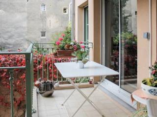 2 bedroom Apartment with Internet Access in Aix-en-Provence - Aix-en-Provence vacation rentals