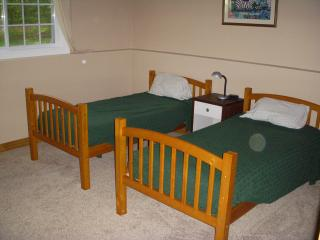 A Cottage for Friends and Family! Private, Quiet L - Jacksonport vacation rentals