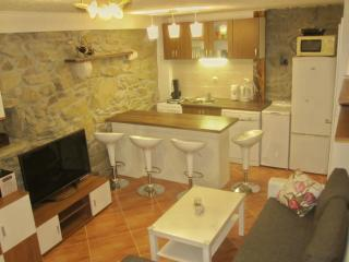3 bedroom House with Internet Access in Baska - Baska vacation rentals