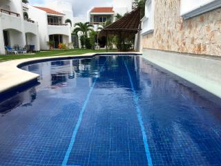 MMC1 The Best Price, Vacaciones en Familia - Playa del Carmen vacation rentals
