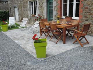 Nice House with Internet Access and Dishwasher - Montpinchon vacation rentals