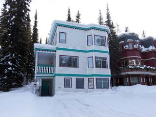 Fabulous Four Bedroom Home - Ski in/Ski out - Silver Star Mountain vacation rentals