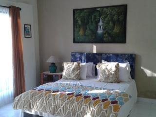 Cozy 2 bedroom House in Mangsit with Mountain Views - Mangsit vacation rentals