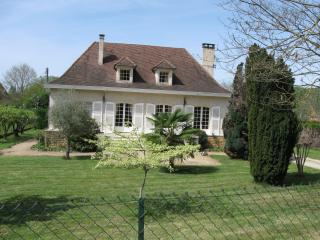 Beautiful house with pool on the Dordogne Perigord - Saint-Julien-de-Lampon vacation rentals