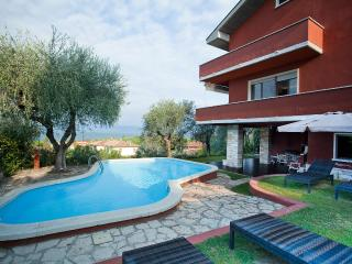 Nice Villa with Internet Access and Wireless Internet - Cisano di Bardolino vacation rentals