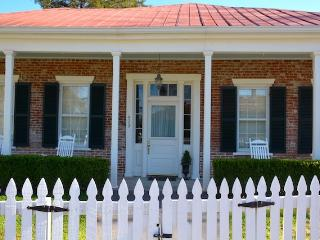 2 bedroom House with Washing Machine in Natchez - Natchez vacation rentals
