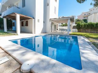 VILLA CLARITA - Property for 6 people in CALA SANT VICENÇ, POLLENÇA - Cala San Vincente vacation rentals