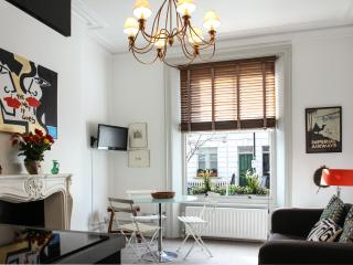 IMPERIAL AIRWAYS APARTMENT - London vacation rentals