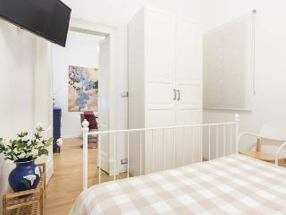 CATANIA HOME CAPUANA CENTRALISSIMO AZULEI - Catania vacation rentals
