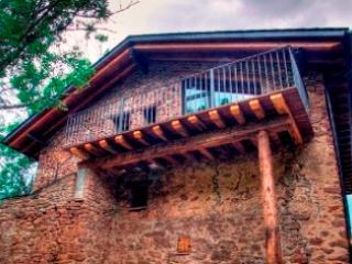 PRECIOSA CASA 10 PERSONAS, ARGESTUES (Lleida) - La Seu d'Urgell vacation rentals