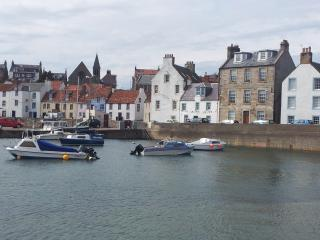 """""""Harbourside"""" in name and in character. - Saint Monans vacation rentals"""