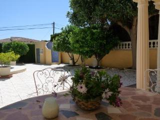 Comfortable 5 bedroom La Nucia Villa with Internet Access - La Nucia vacation rentals