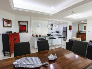 Centrally located luxury apartment fully furnished - Bangkok vacation rentals