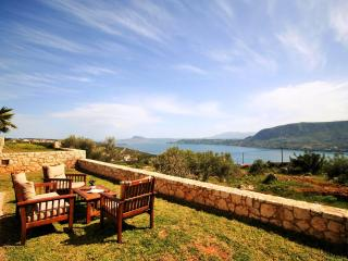 Breathtaking View House in Chania - Kounoupidiana vacation rentals