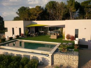 new modern villa +pool+ spectacular views - Pernes-les-Fontaines vacation rentals