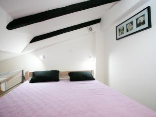 Soho 2+0, Urban apartments Pula - Pula vacation rentals