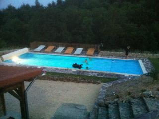 B&B met groot verwarmd zwembad en NL/FR eigenaars - Maclas vacation rentals