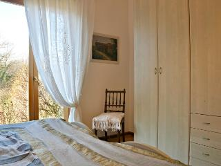 """Appartamento con giardino """"De Bati"""" - Belluno vacation rentals"""