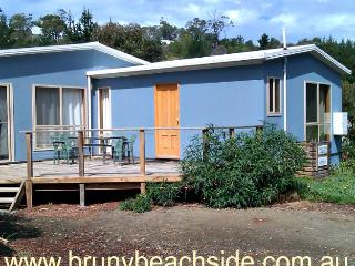 Blighs 4 bedroom-2 bathroom- beach house - Dennes Point vacation rentals