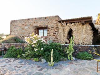 Dammusi Ambra - Cartagine - Pantelleria vacation rentals