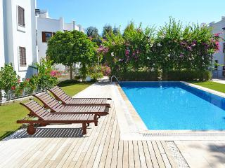 Bright 3 bedroom Bodrum Condo with Boat Available - Bodrum vacation rentals