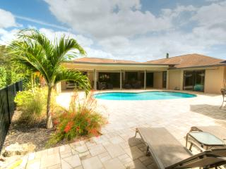 Cozy luxury pool home just 10 minutes to the beach - Naples vacation rentals