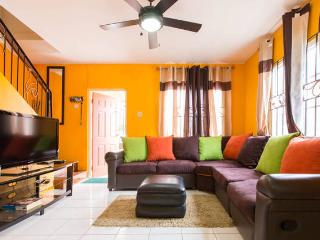 TropiCasa II - 2BD/2.5BR - Kingston - Kingston vacation rentals