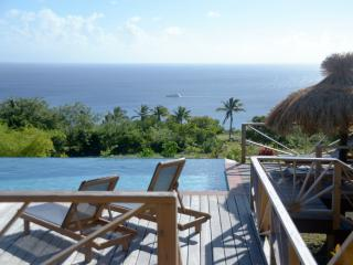 Romantic 1 bedroom Soufriere Apartment with Deck - Soufriere vacation rentals