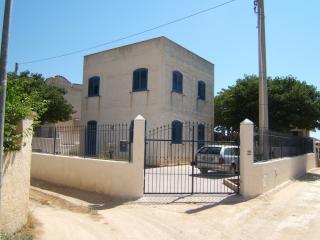 3 bedroom Villa with Parking in Lido Signorino - Lido Signorino vacation rentals