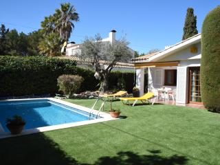 Cozy House with privat pool close to Sitges - Sant Pere de Ribes vacation rentals