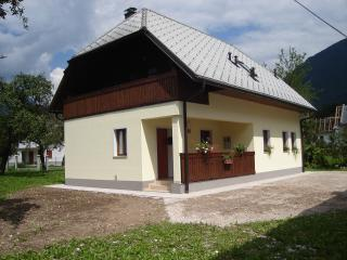Cozy 2 bedroom Bovec Apartment with Internet Access - Bovec vacation rentals