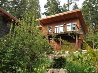 Nice Guest house with Internet Access and Satellite Or Cable TV - Roberts Creek vacation rentals