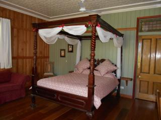 Romantic Private Rainforest Suite - Mount Glorious vacation rentals