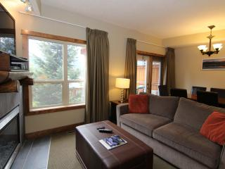 Canmore Fire Mountain 3 Bedroom Condo - Canmore vacation rentals