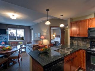 Canmore Falcon Crest Beautiful 1 Bed Condo - Canmore vacation rentals