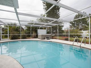 Bonita Springs Bungalow with Heated Pool -3 minutes to Ocean $ 850. per week ! - Bonita Springs vacation rentals