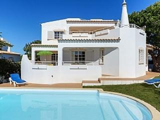 vila Praia da Gale, private pool, next to beach - Guia vacation rentals