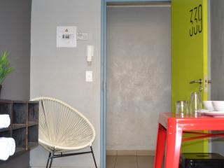 Romantic 1 bedroom Johannesburg Condo with Elevator Access - Johannesburg vacation rentals