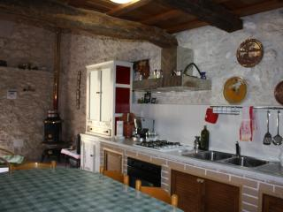 1 bedroom Apartment with Television in Roccamorice - Roccamorice vacation rentals